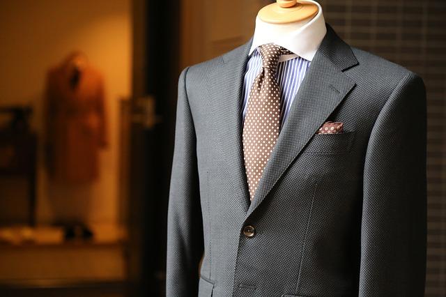 oblek s kravatou.jpg