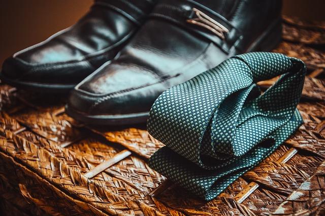 boty a kravata.jpg