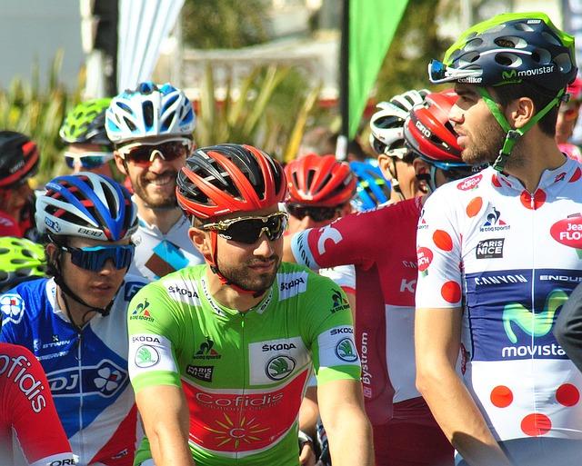 cyklisti na startu