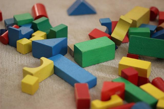 barevné stavební bloky