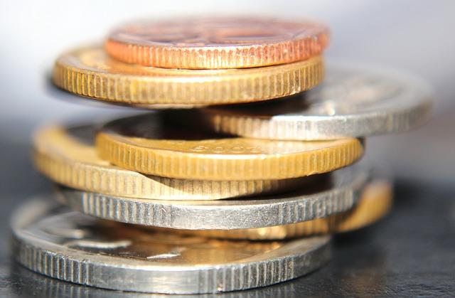 detail mince ve sloupci