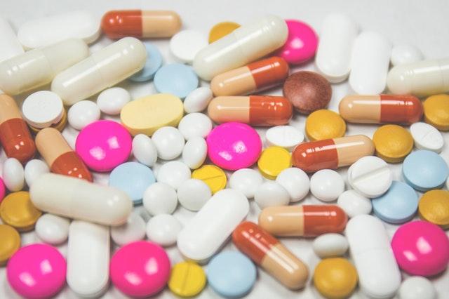 léky, pilulky